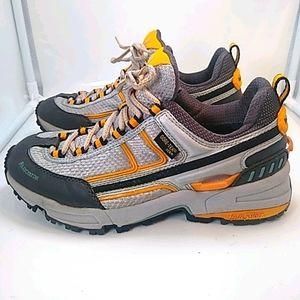 La Sportiva Neva Gore-Tex XCR Hiking Shoes W 7.5